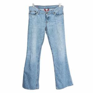 LUCKY BRAND by Gene Montesano regular inseam light wash low raise stra leg jeans